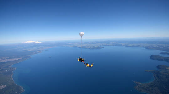 Tandem Skydive over Taupo - 9,000ft