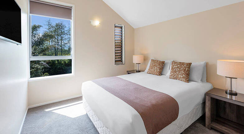 3 Night Rotorua Midweek Escape with Wine  For 6